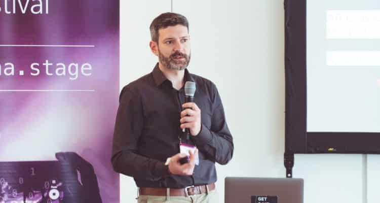 Der Einsatz von AR in der Einrichtungsbranche und wie sich Einrichtungsstile anhand von Bildern erkennen lassen – ein Vortrag von Christian Nietner von RoomAR auf dem Data Festival 2018.