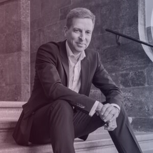 Dr. Carsten Bange