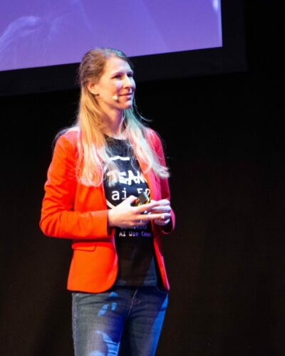 Julia Butter Speakerstage nah bearbeitet